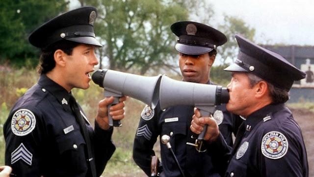 ... dos filmes Academia de Policia