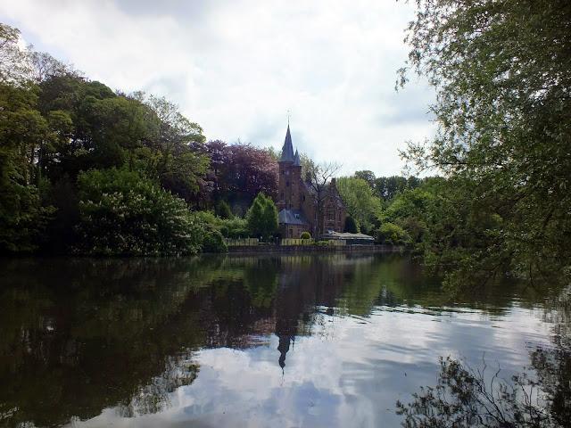 lago del amor en Brujas un lugar de descanso