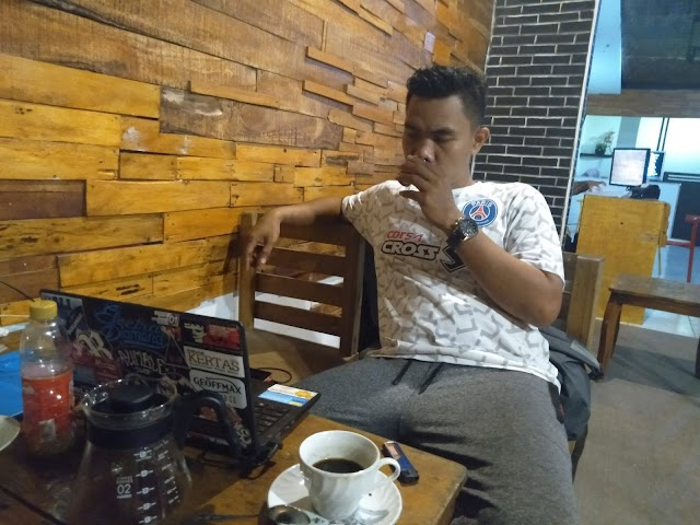 Zahir Santriprenuer Sang Owner Nice Coffee Mataram