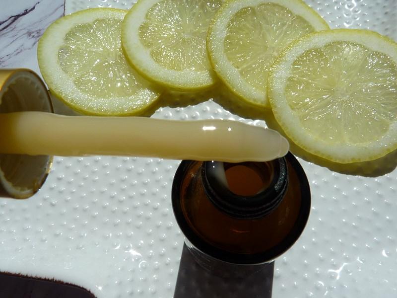 Sesderma C-VIT Serum liposomowe z witaminą C pielęgnacja cery naczynkowej jesienią