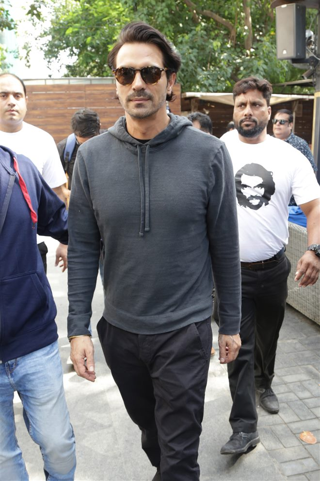 Arjun Rampal with Aishwarya Rajesh Promote Daddy In New Delhi
