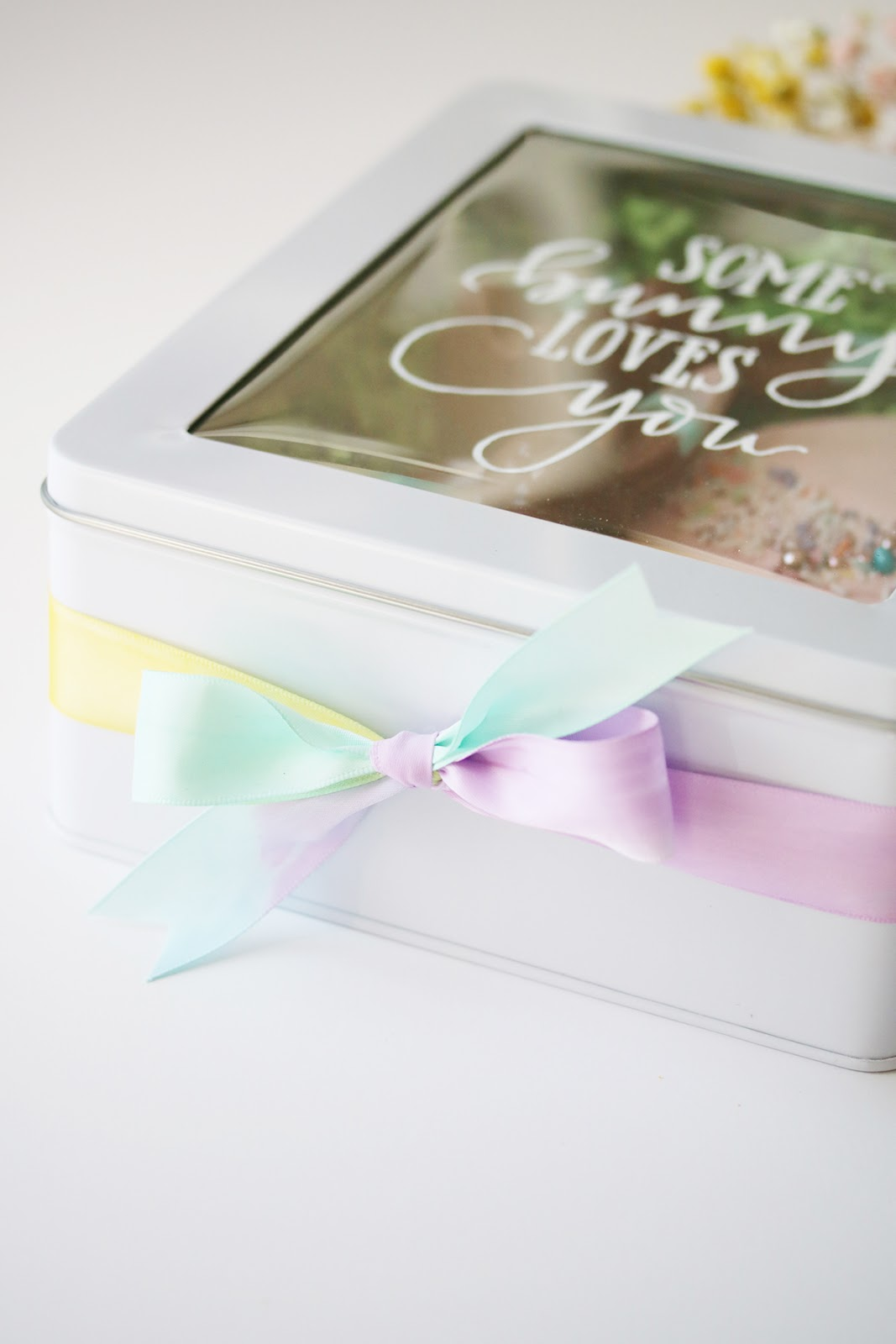 sweet DIY idea for Easter - some bunny loves you tin container | Creative Bag
