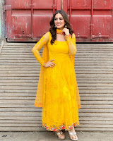 Shraddha Arya Latest Photos HeyAndhra