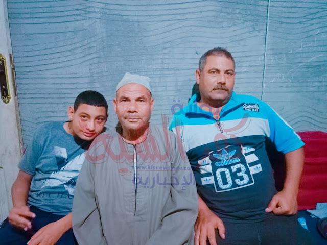 البطل مع أبنائه