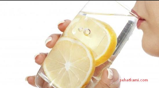 cara mengobati gusi bengkak dengan lemon