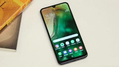 lomba untuk memproduksi HP Android dengan spesifikasi gahar dan fitur mumpuni namun dengan Daftar HP Samsung Harga 3 Jutaan dengan Spesifikasi Terbaik 2019