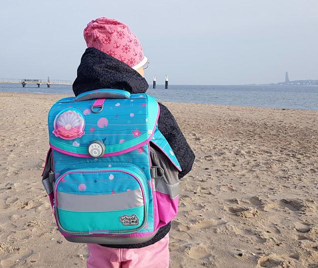 Einschulung 2021: Ein Meerjungfrauen-Schulranzen für unser Küstenmädchen. Mit dem Ranzen Timeless Air von School-Mood haben wir gute Erfahrungen gemacht.