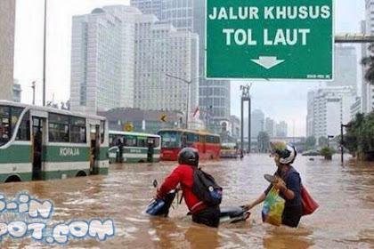 Kumpulan Gambar Meme Lucu Banjir Jakarta 2018