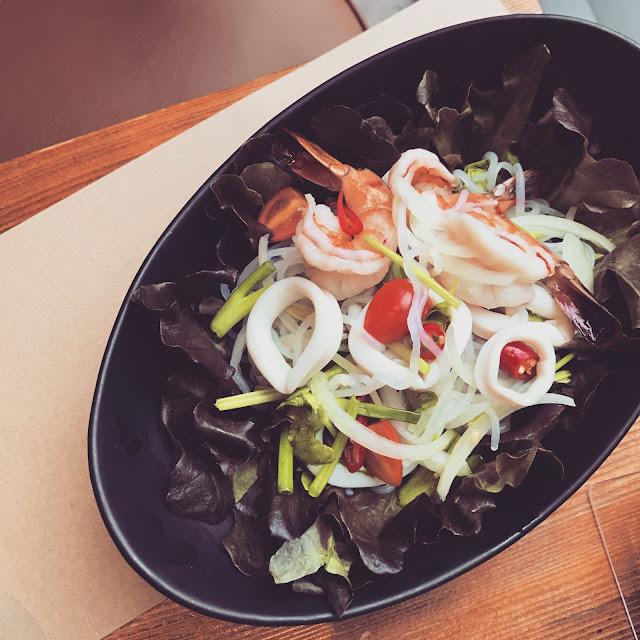 OGU OGU - Japanese Thai Fusion Food & Sake Bar @ BKK Thailand