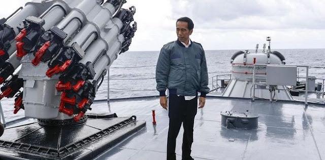 Jokowi Pemimpin Populis, Tidak Cocok Sebagai Pemimpin Di Masa Krisis