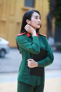 """10X xinh đẹp trường Quân đội: """"Con gái hiện đại phải có chất riêng"""""""