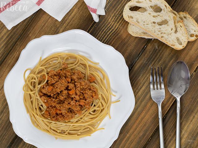 Espaguetis con boloñesa de soja (sojañesa)