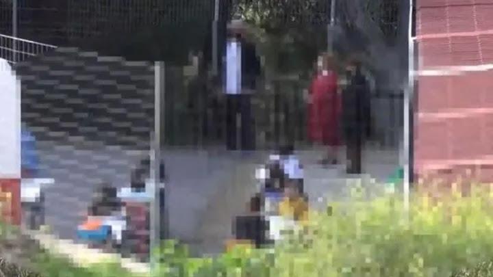 Θρανία έξω στο Ναύπλιο! Μάθημα στην αυλή με τον καιρό να αγριεύει, vid