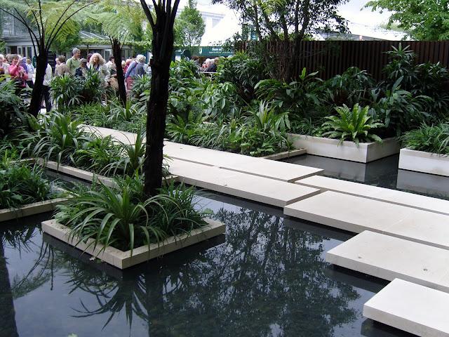 woda w ogrodzie, ogród egzotyczny