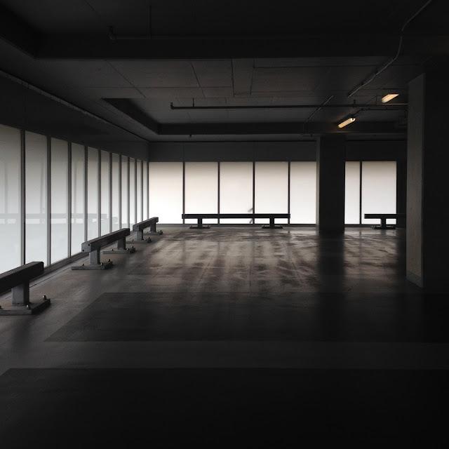 Parking Nhow - Emptiness