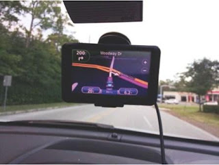 Global Positioning System (GPS) pada Mobil
