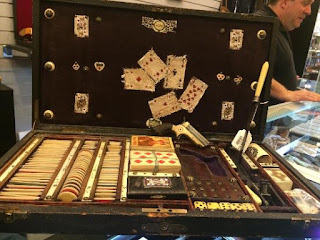 Poker Set Emas
