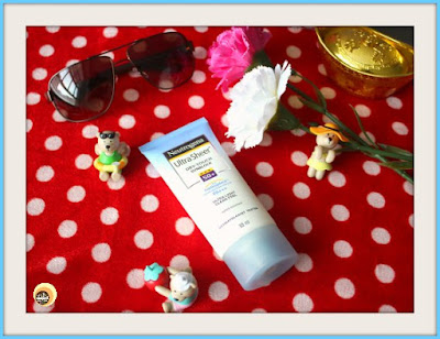 neutrogena-ultra-sheer-dry-touch-sunblock-spf-50-review-natural-beauty-and-makeup-blog