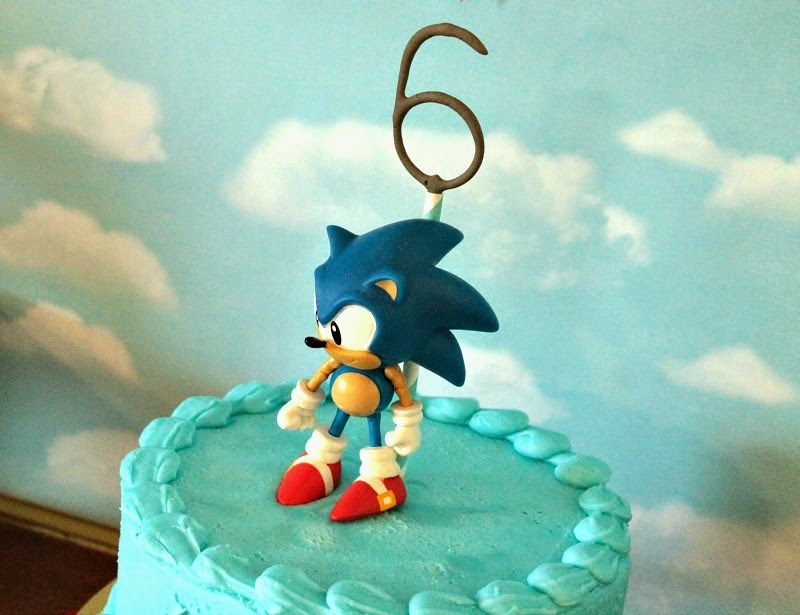 sonic the hedgehog cake, soinc the hedgehog party theme