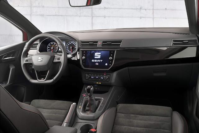Novo Polo 2018 - Seat Ibiza - interior - painel