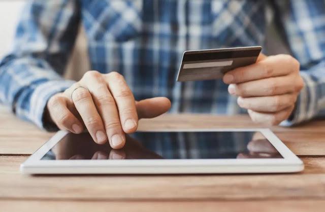 ONLINE: Menos de un tercio de los consumidores se siente seguro en transacciones en línea.