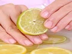 Cara merawat kuku dengan lemon
