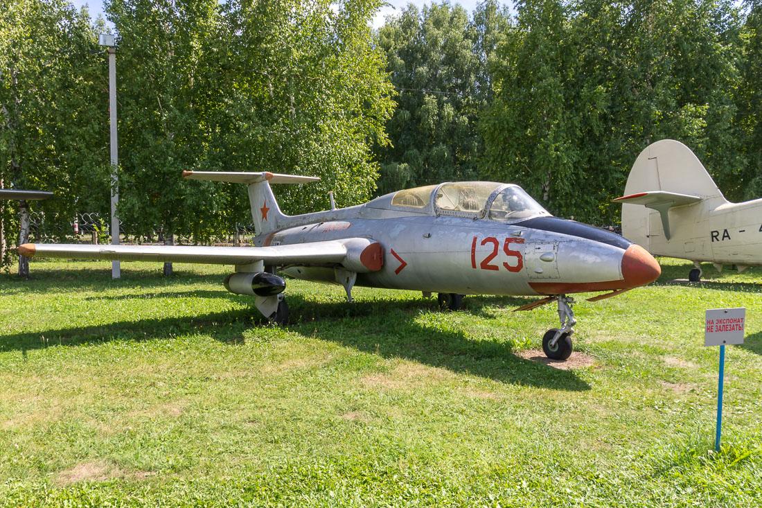 Самолёт Л-29 Дельфин