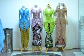 Cara Mudah Membuka Usaha Baju Kebaya, Usaha Rumahan Modal Kecil
