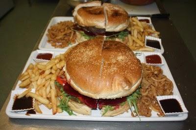 Burger Bakar Terbaik untuk Burger Lover!