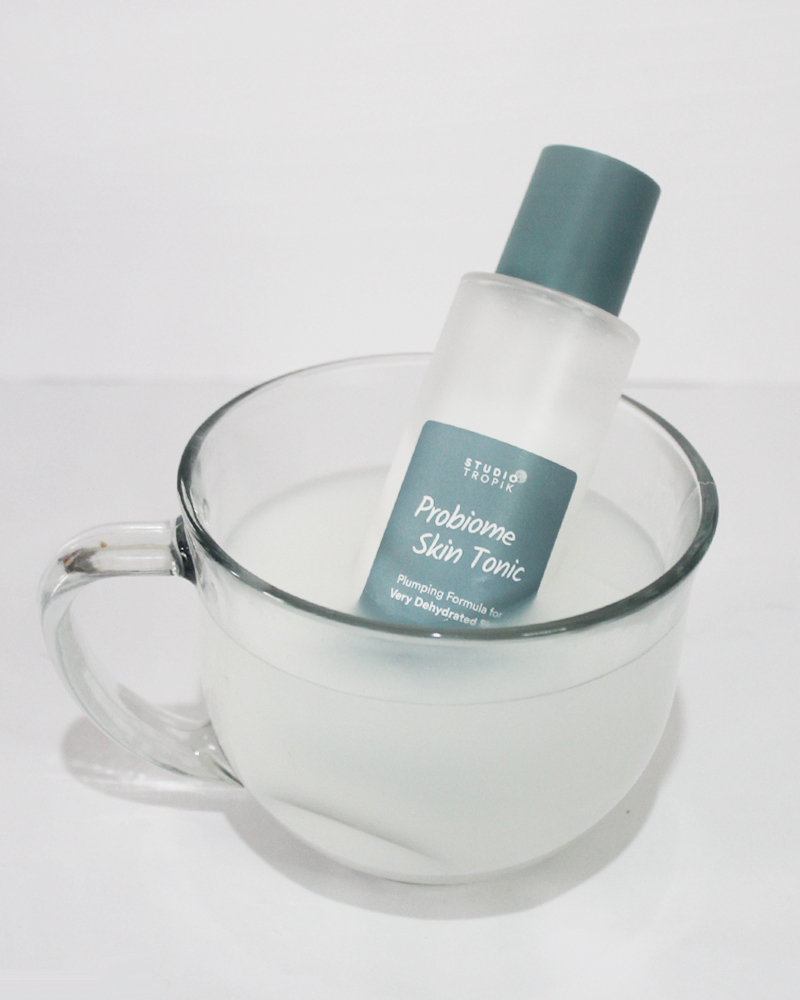 aku nyobain beberapa produk lokal yang ulalala keren banget Review Toner Studio Tropik : Probiome Skin Tonic