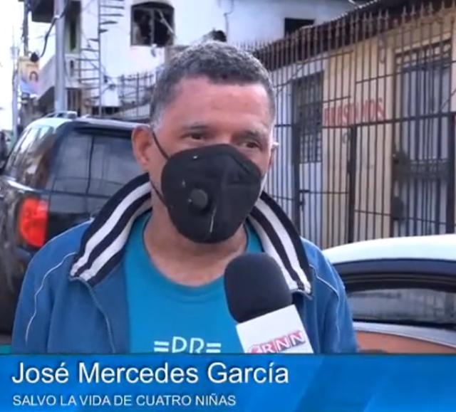 Hombre salva cuatro niñas de morir encerradas en el incendio de Herrera