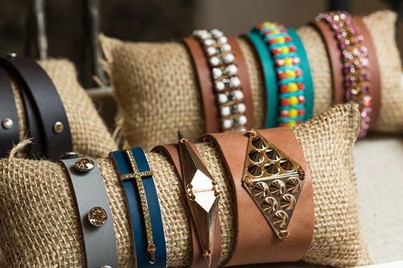 Expositor bijuterias tecido juta