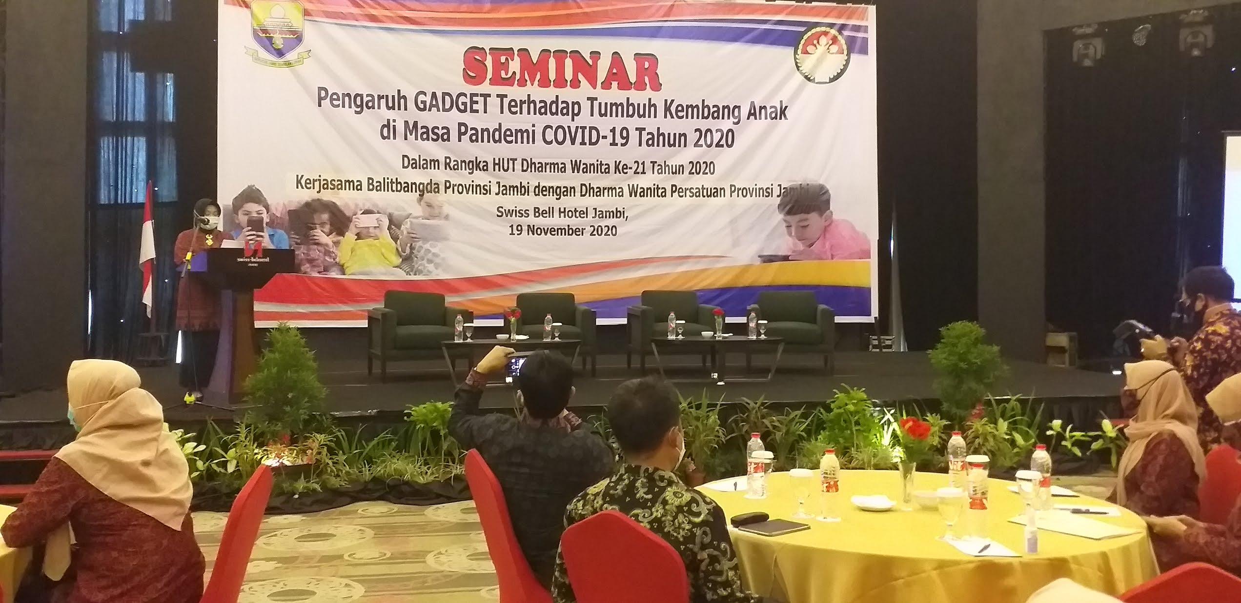 Ibu Pjs Gubernur Jambi Secara Resmi Membuka Seminar