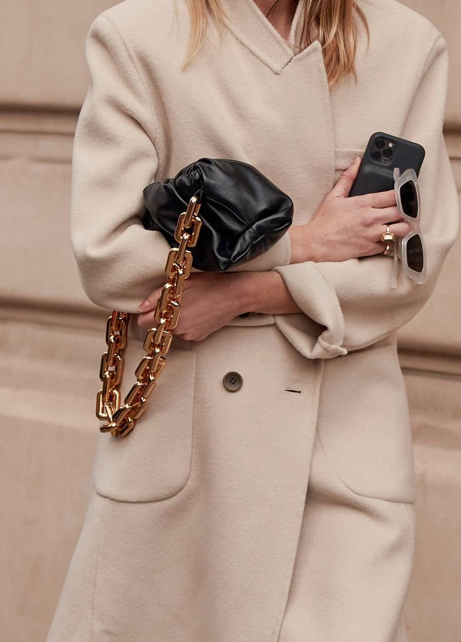 23 Best Chunky Chain Bags Trend — Bottega Veneta Chain Pouch — Fall Outfit Idea
