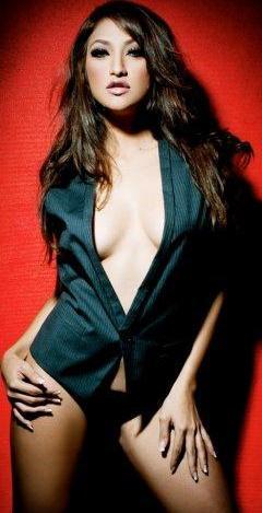 Rahma Azhari dan karir modeling