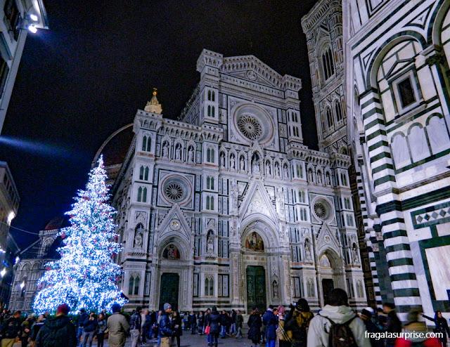 Decoração de Natal na Praça da catedral de Florença