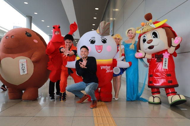 Come dressed in your favourite cosplay costume while travelling on a Vietjet flight