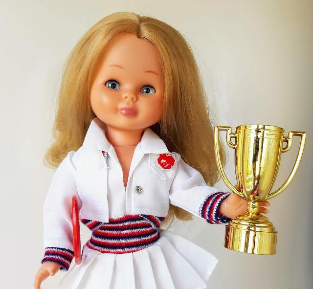 Muñeca Nancy clasica con conjunto Tenis de Ninua creaciones marco