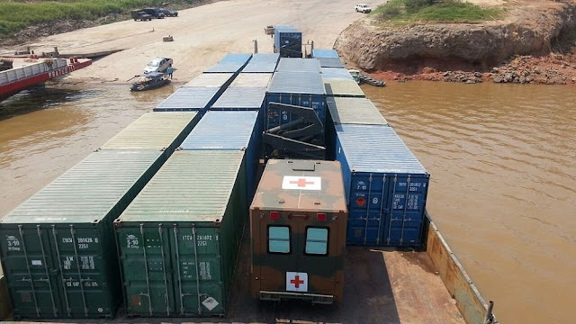 Image Attribute: Vehicles and equipment needed to set up the logistics exercise in transit to Tabatinga.  / Photo: AMAZONLOG 2017