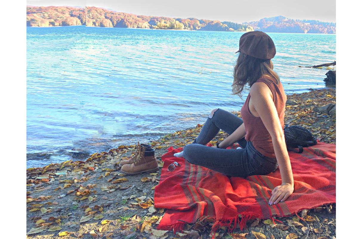 woda, piknik, koc, dziewczyna