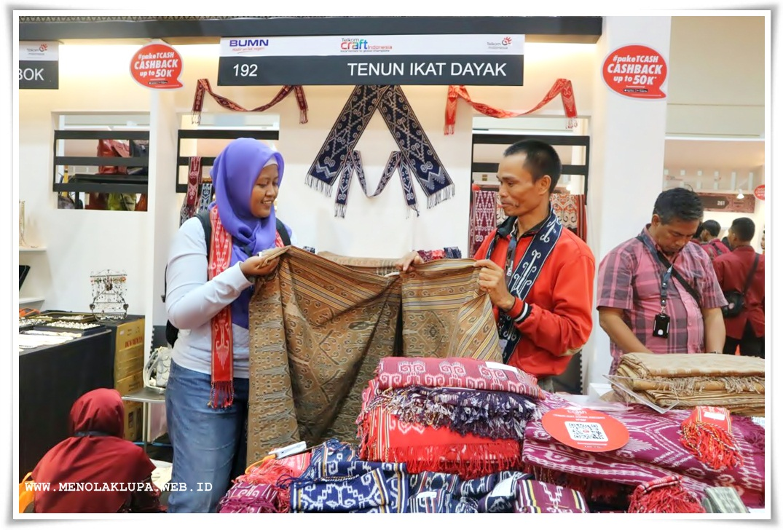 UKM Tenun Ikat Dayak Asli Indonesia