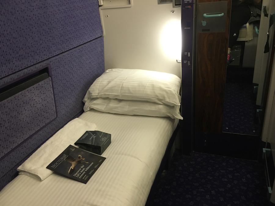 Caledonian Sleeper train London to Edinburgh - first class cabin | Tess Agnew fitness blogger