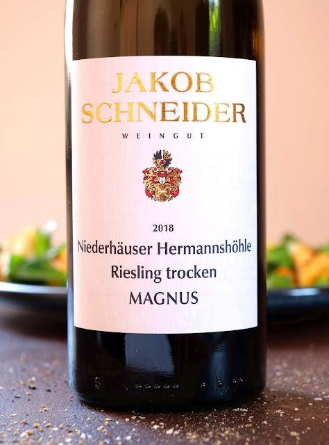 Riesling Magnus Niederhäuser Hermannshöhle vom Weingut Jakob Schneider.