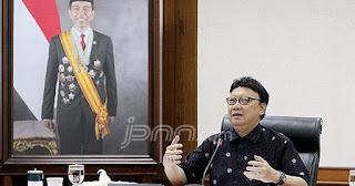 Menteri Tjahjo Tegaskan Honorer Tak Bisa Langsung Diangkat Jadi PNS, Begini Alasannya