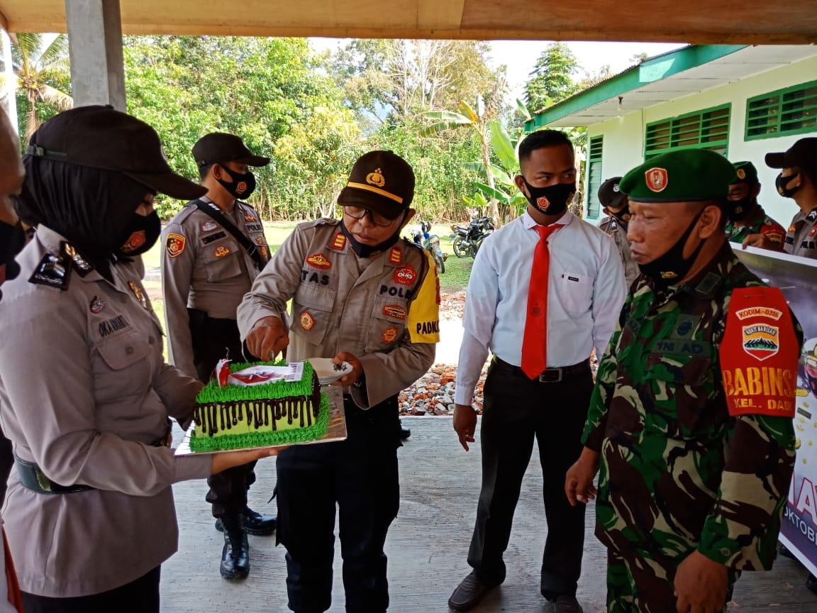 Kapolsek dan Anggota Polsek Daik Lingga Mengunjungi Makoramil 05 Daik Dalam Rangka HUT TNI Ke 75