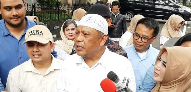 """Polisi Resmi Menahan Eggi Sudjana, """"Saya Advokat Loh, Masa Saya Dipidana"""""""