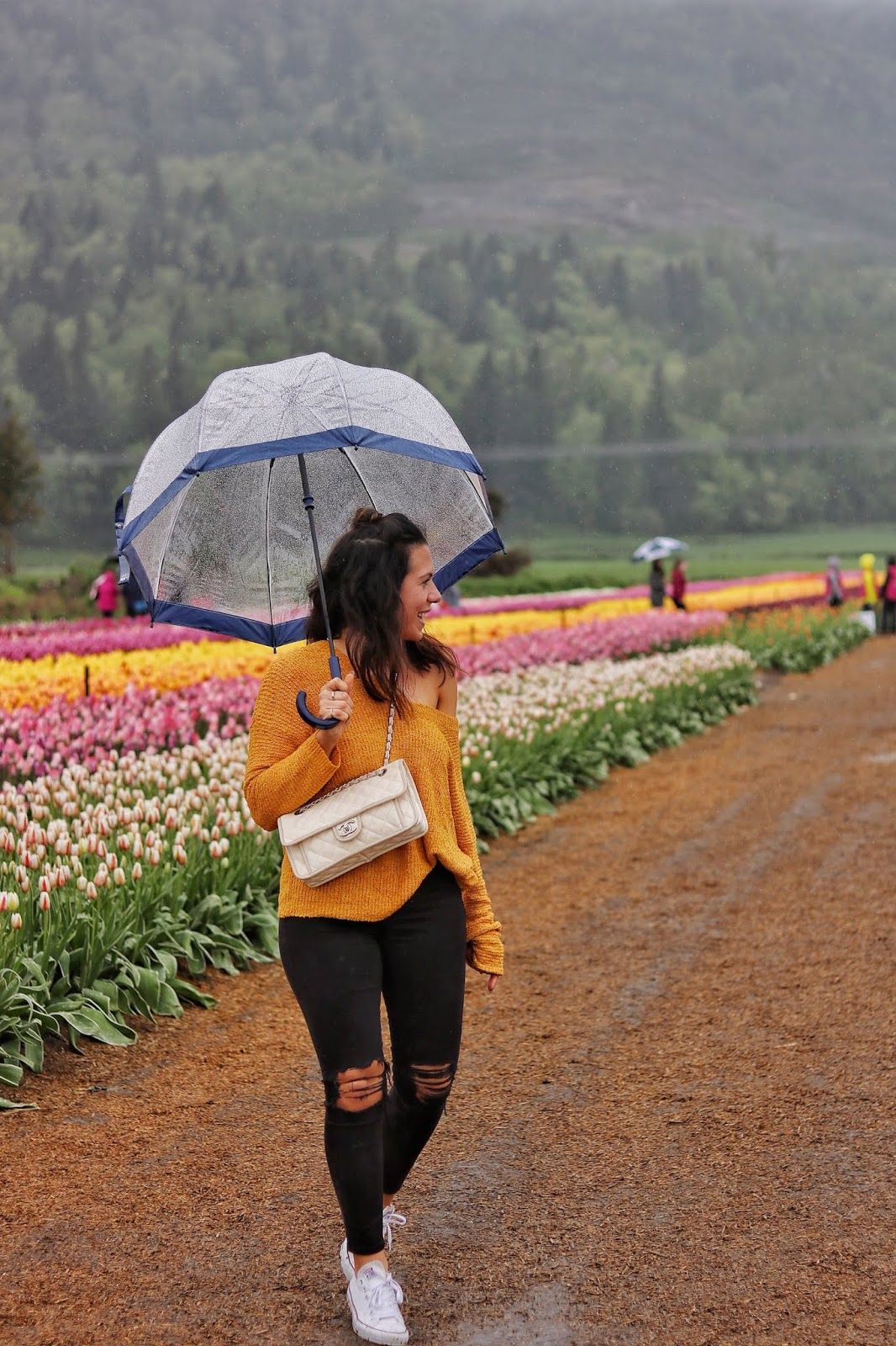 Abbotsford Tulip Festival vancouver fashion blogger aleesha harris outdoor festival outfit