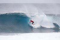 17 Kelly Slater Billabong Pipe Masters 2016 foto WSL Damien Poullenot