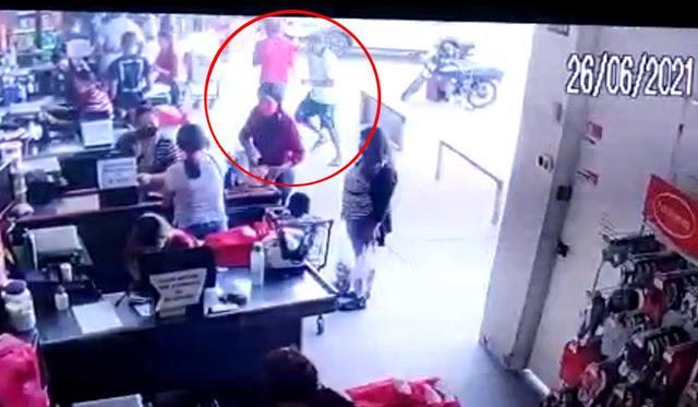 mulher-esfaqueada-supermercado-jacobina-video