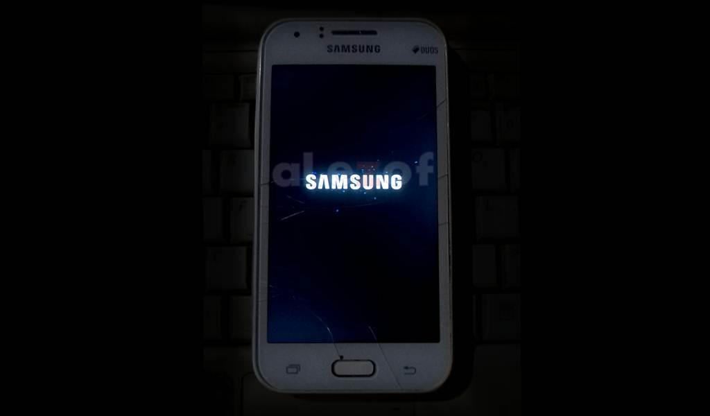 Top 10 Punto Medio Noticias | Logo Samsung Galaxy J1
